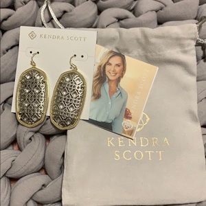 Brand new Danielle (large) Kendra Scott earrings.